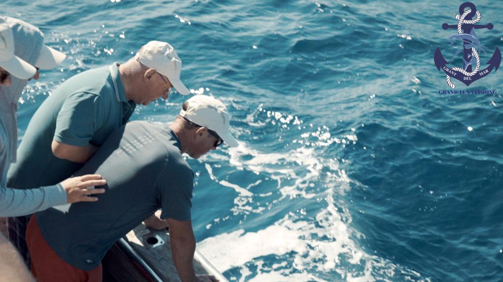 Fishing tuna in the sea