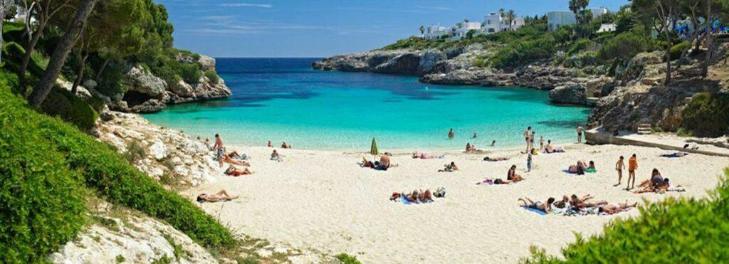 Пляжный отдых в Испании в июне